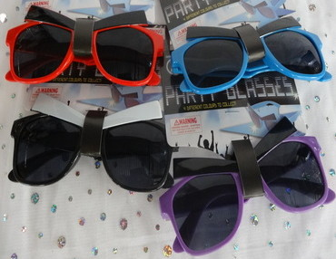 costume glasses, fancy dress accessory